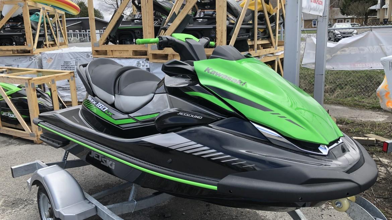 "Kawasaki JET SKI STX-160LX <br><span style=""color:#58b9ee;"">16 499$</span>"